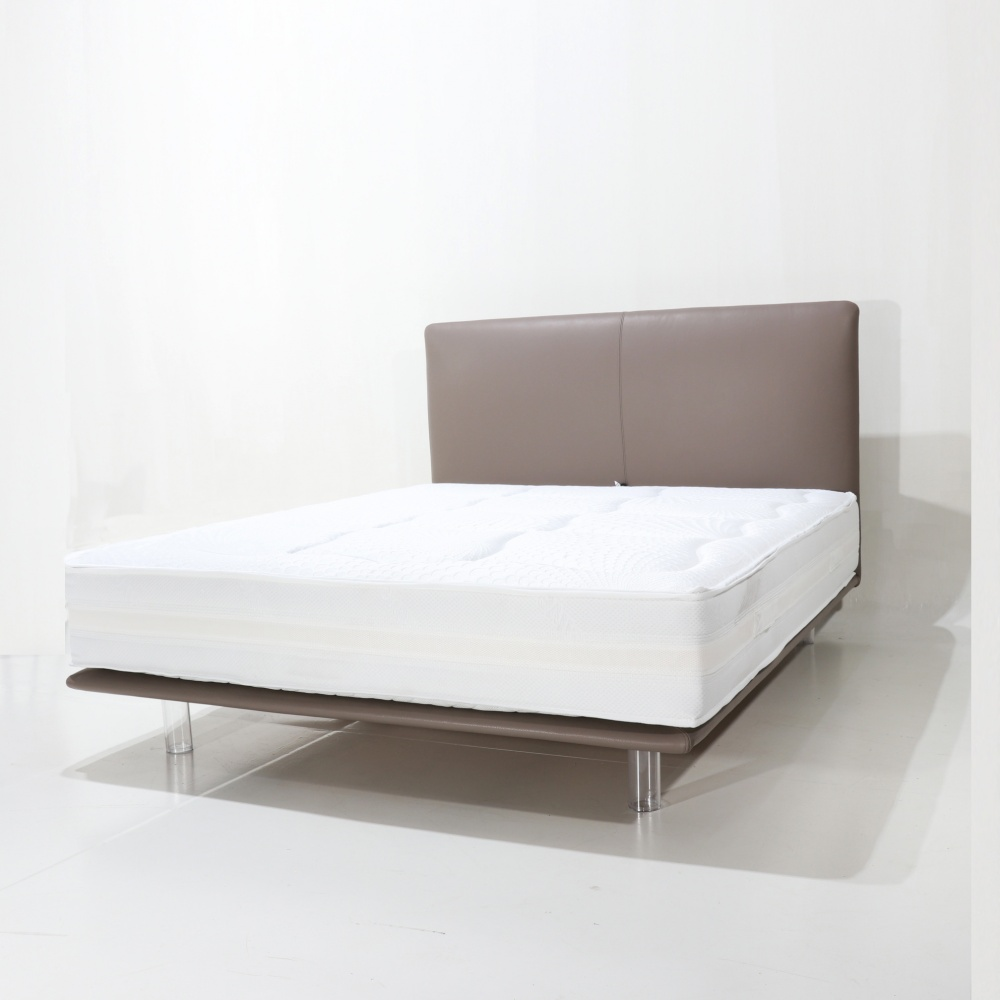 LIEGI BED with high headboard H.110 cm