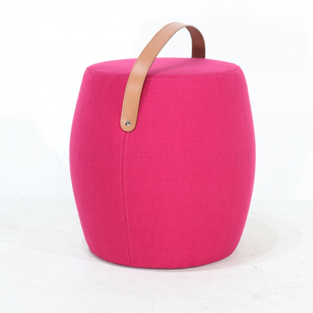 POUF BAG AVEC SANGLE EN CUIR