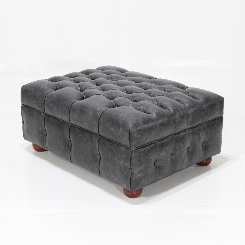 POUF CHESTERFIELD - padded leather footrest with capitonnè finish